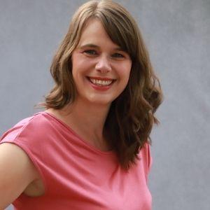 Speaker - Nicole Schneiders