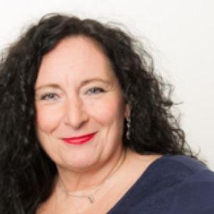 Speaker - Iris Hoyer
